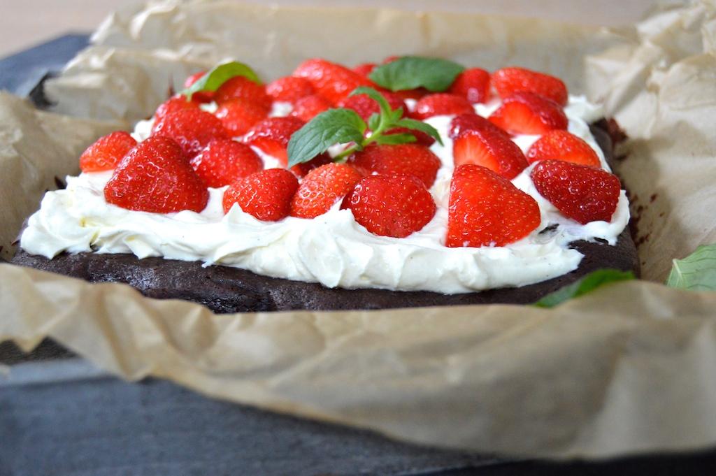 Brownie mit Erdbeeren und Mascarponecreme_2