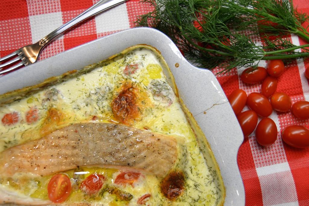 Kartoffelgratin mit Lachs und geschmorten Tomaten1