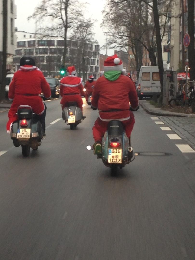 Beweisfoto: Er ist unterwegs :-) Wir wünschen Euch einen schönen 4. Advent!